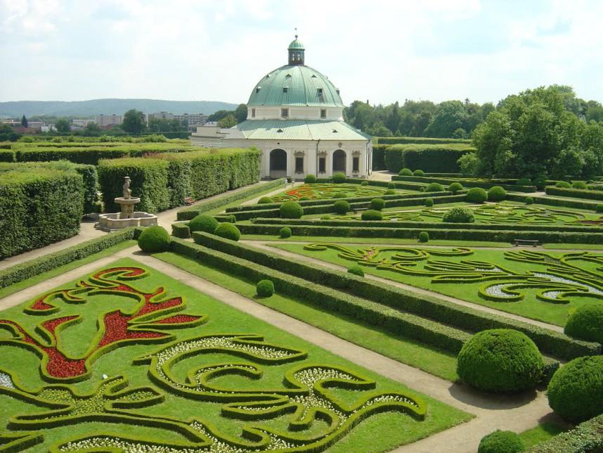 Сад в замке Кромержиж