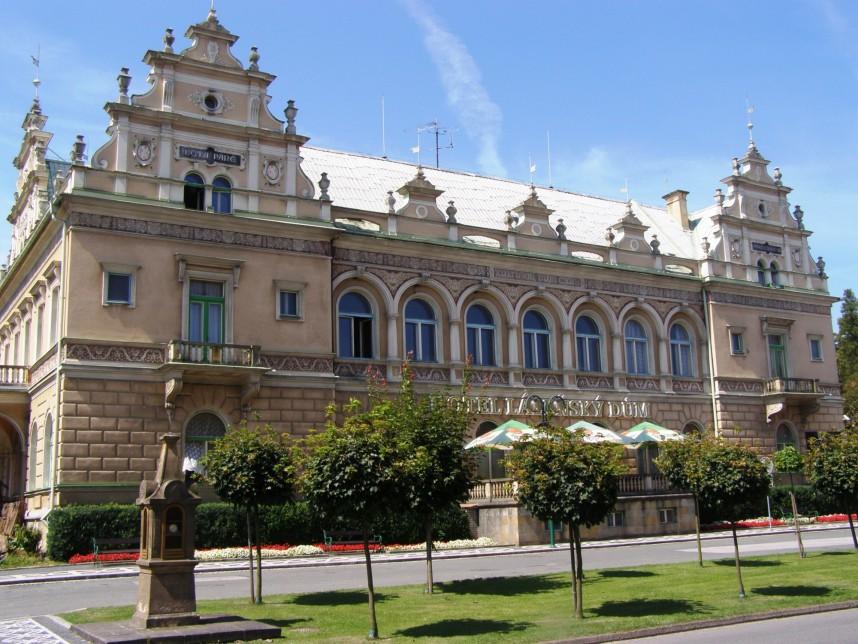 Отель, Лазне Белоград