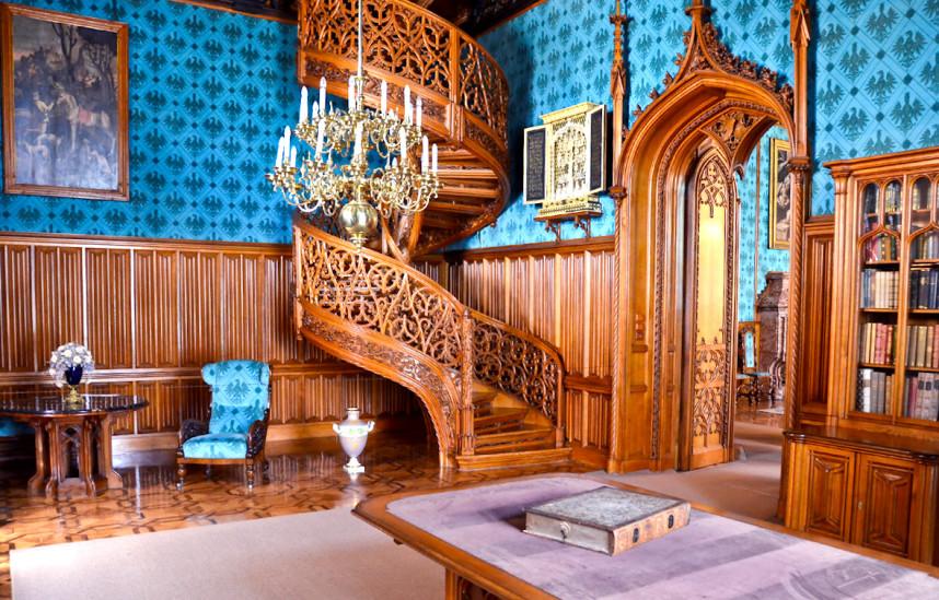 Интерьер замка, Леднице
