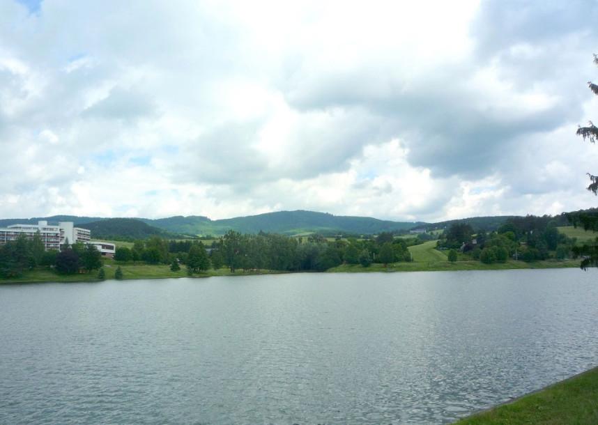 Водохранилище в Лугачовице