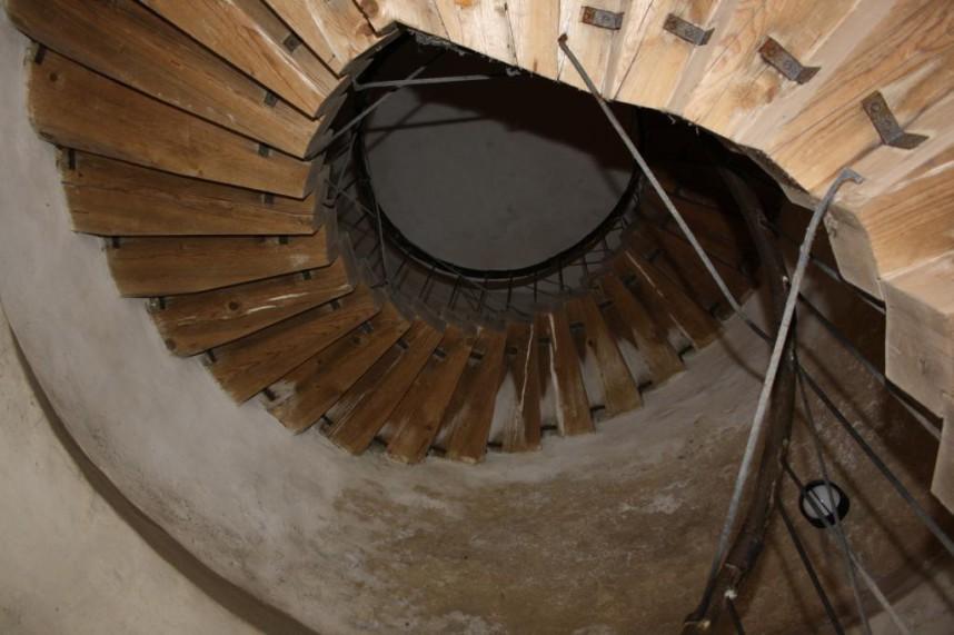 Лестница в Замке Бездез