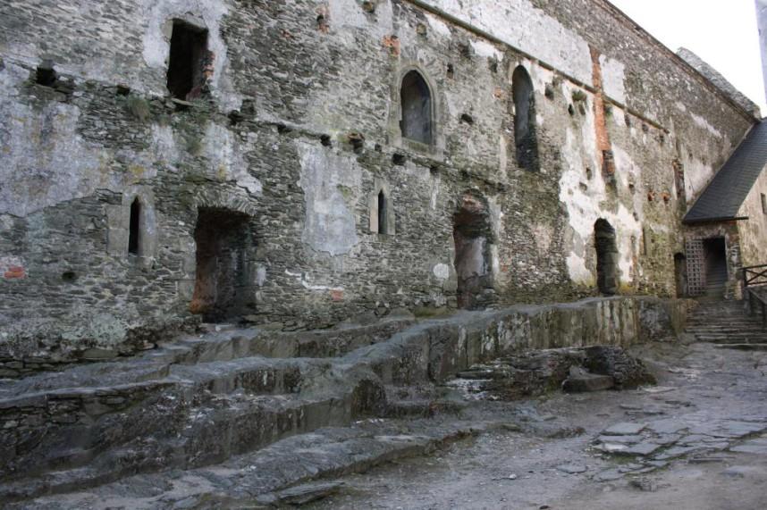 Стена Замка Бездез