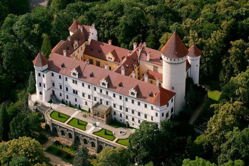 Замок Конопиште сверху