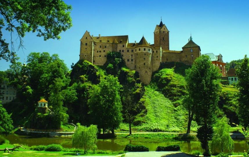 Вид на Замок Локет