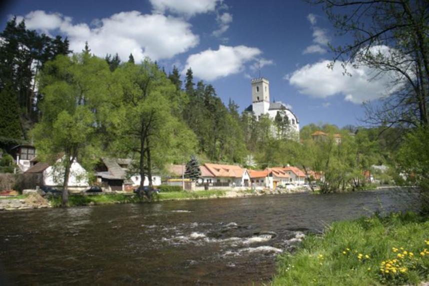 Замок Розенберг над рекой Влтавой