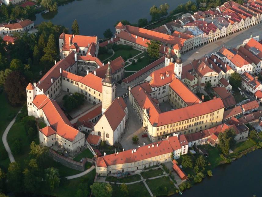 Замок Тельч сверху