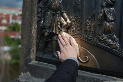 «Счастливые» памятники – приманка для туристов
