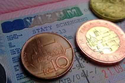 Чехия увеличила визовый сбор для российских заявителей