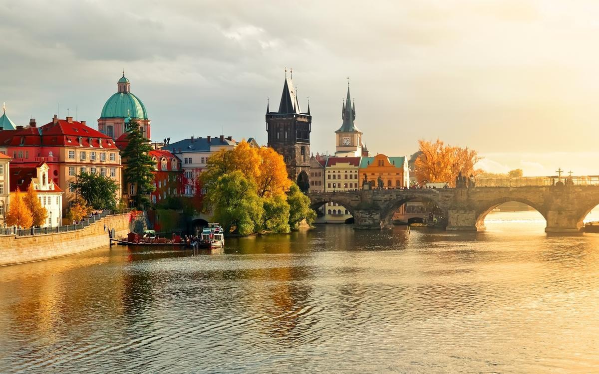 Прага онлайн и со звуком в HD! А также советы, обзоры и ...