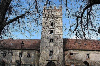 Замок Бртнице приглашает на пасхальные экскурсии