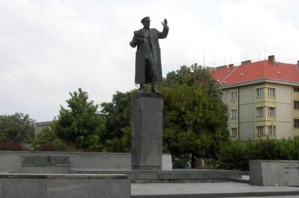 Памятник маршалу Коневу в Праге перенесут!