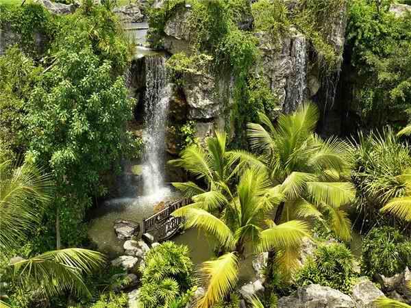 Почему большинство туристов выбирает для отдыха остров Пхукет?