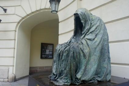 ТОП-10 необычных памятников Праги