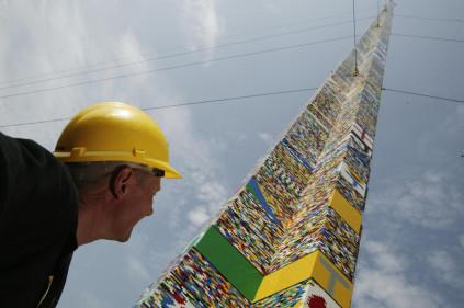 В Праге строят самую высокую Lego-башню