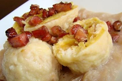 Традиционные чешские картофельные кнедлики
