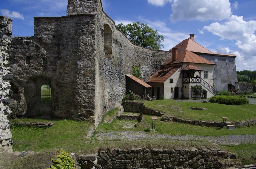 Замок Липа