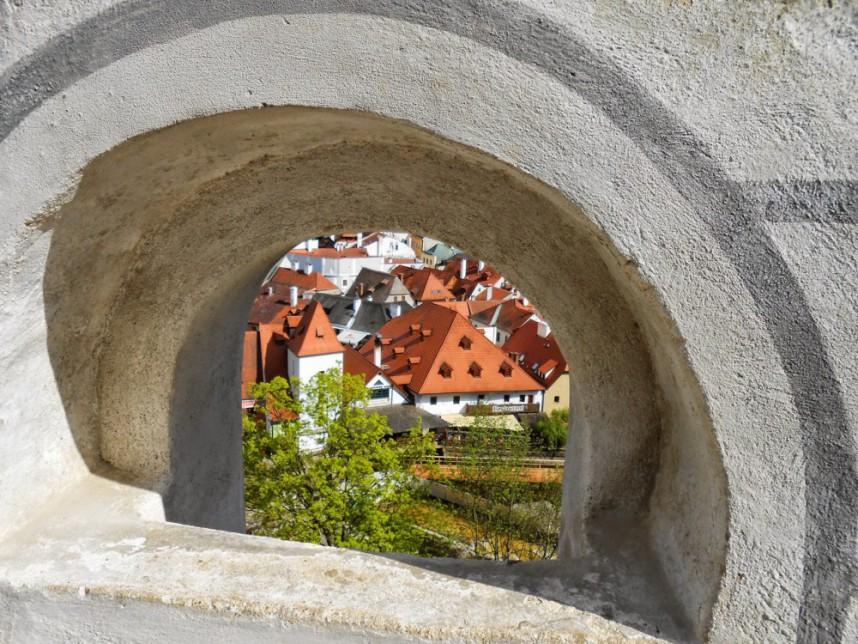 Бойницы в крепостной стене