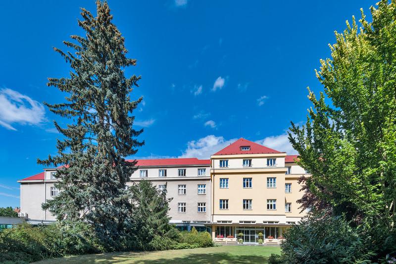 Курорт Лазне Богданеч