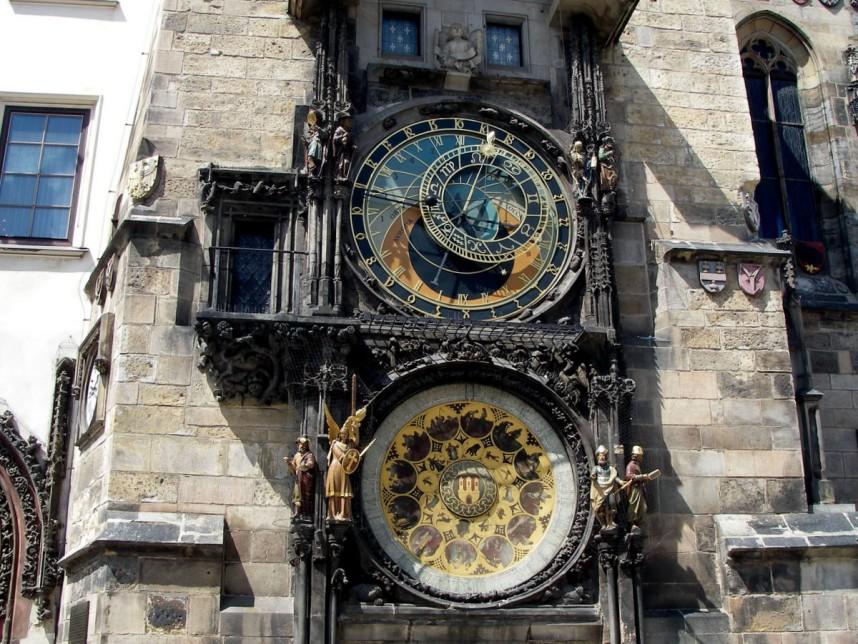 Астрономические часы на башне Старой Ратуши