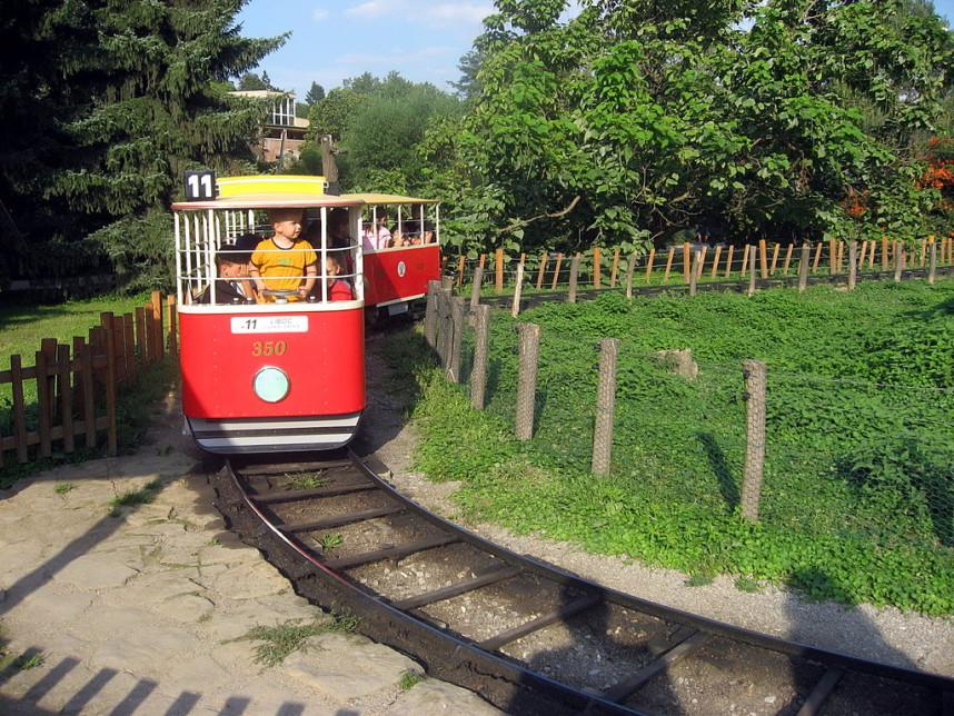 Детский поезд в Пражском зоопарке