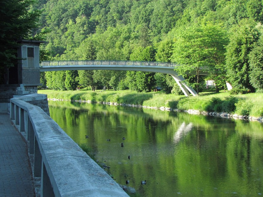 Мост, Теплице над Бечвой