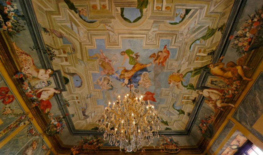 Потолок Тройского замка