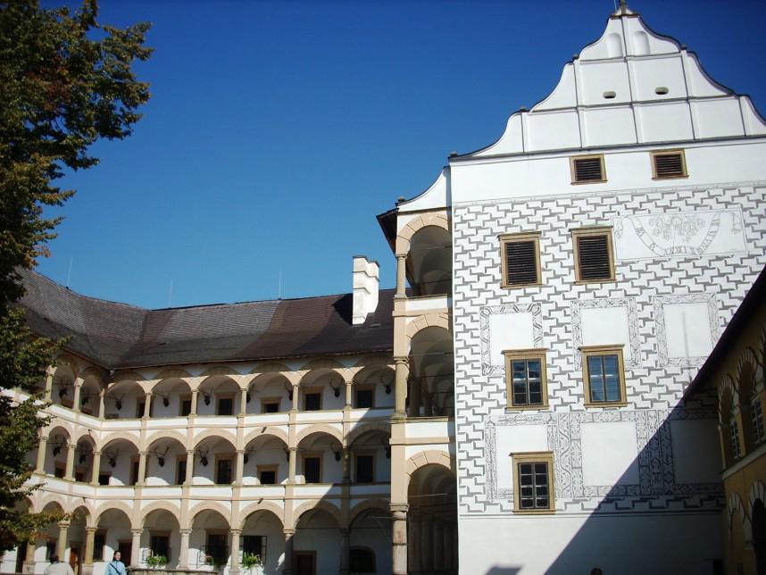 Замок, Велке Лосины
