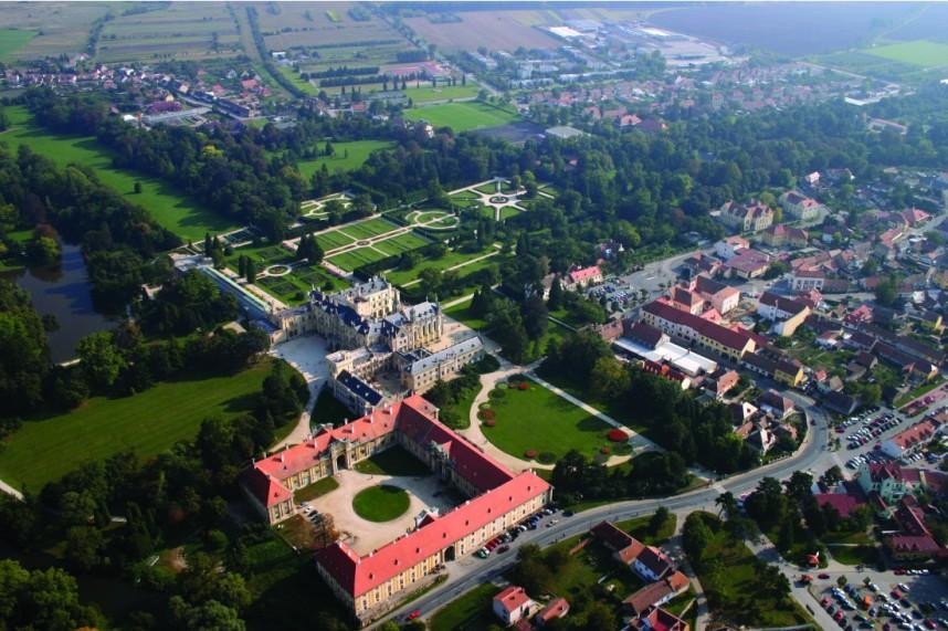 Вид на Ледницко-Валтицкий комплекс