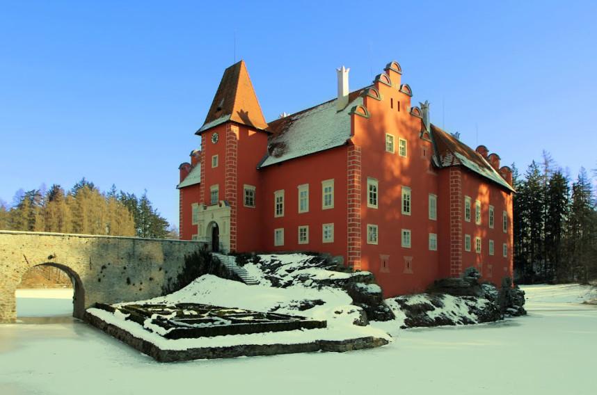 Замок Червена Лгота зимой