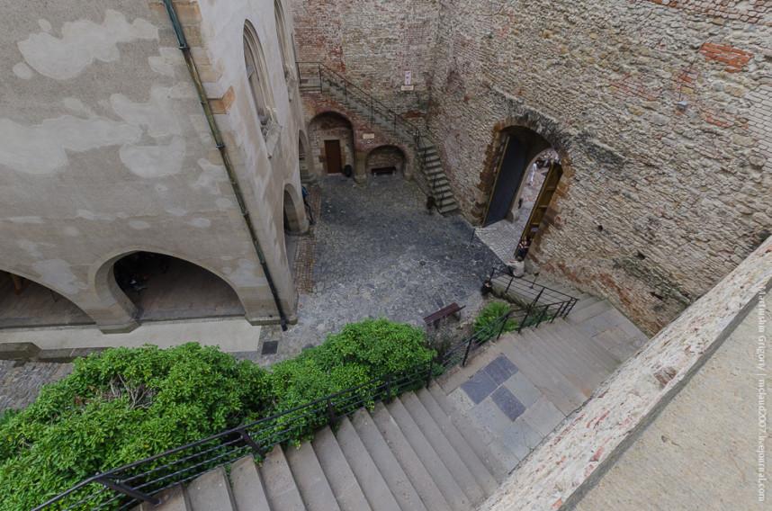 Внутренний дворик Замка Карлштейн