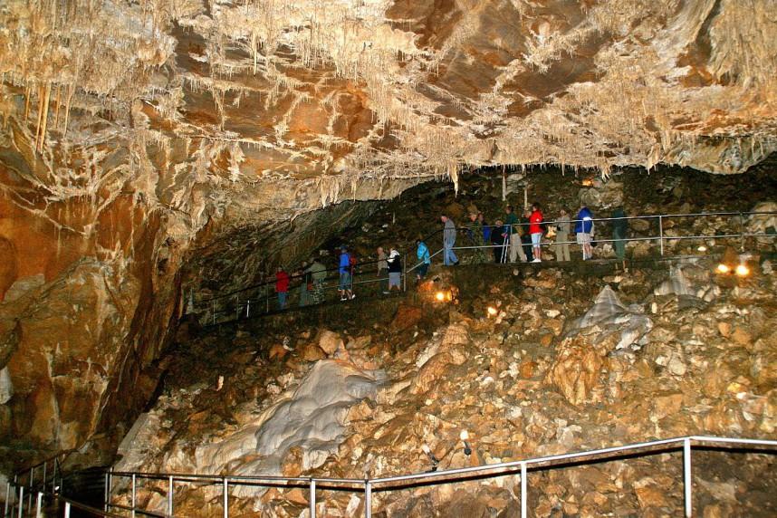 Экскурсия по пещерам