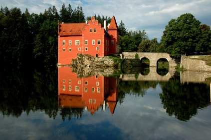 Замок Червена Лгота