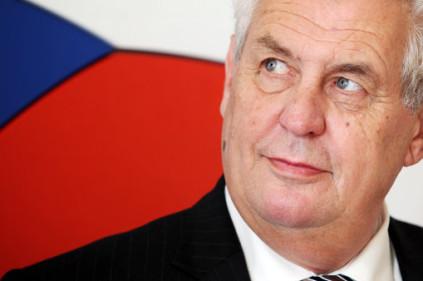Новый президент Чехии дважды подписывал присягу из-за грамматической ошибки!