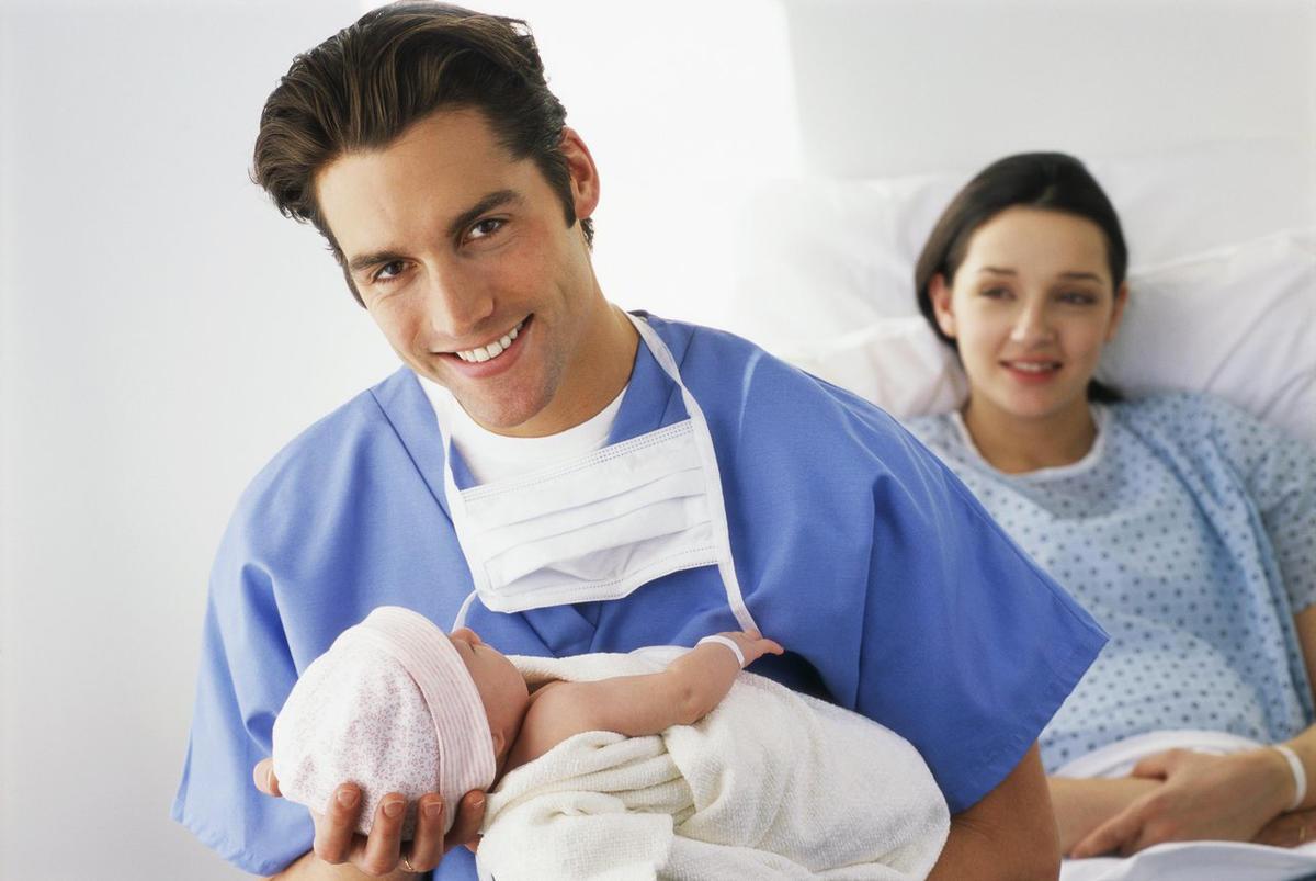 Рождение ребенка у мужчины в картинках
