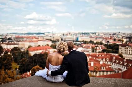 Мода уезжать в свадебное путешествие в другую страну прижилась и в Чехии